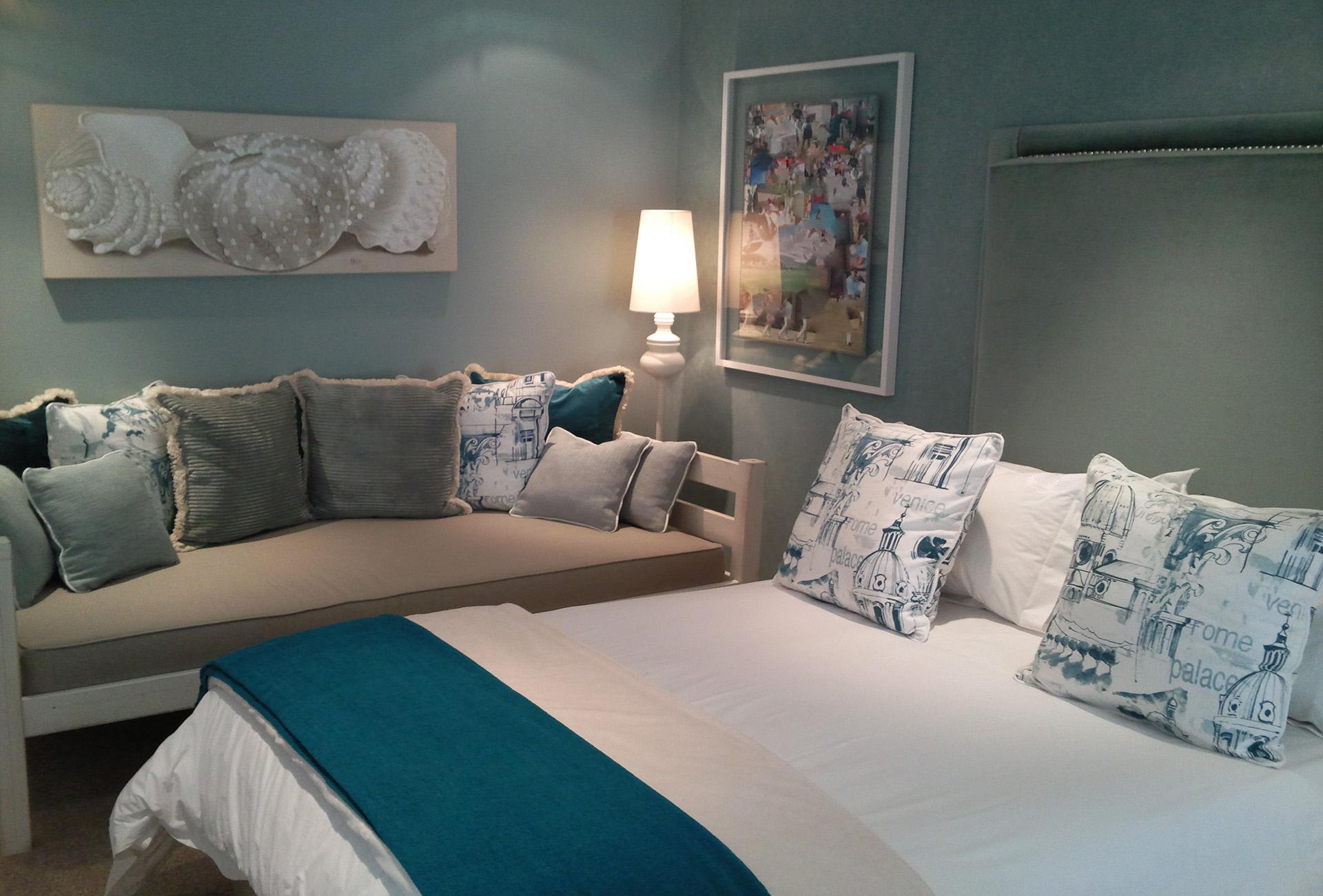 Bedroom_sofa_H