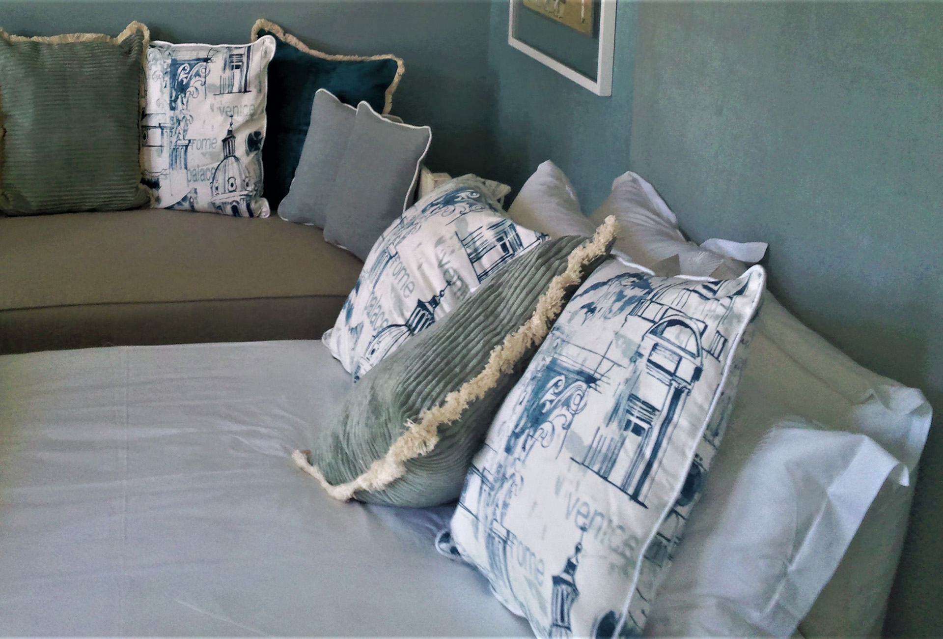 scatter cushions_01